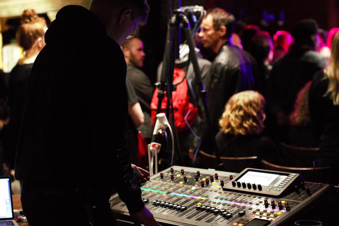 Musiikkiteknologi ja äänipöytä