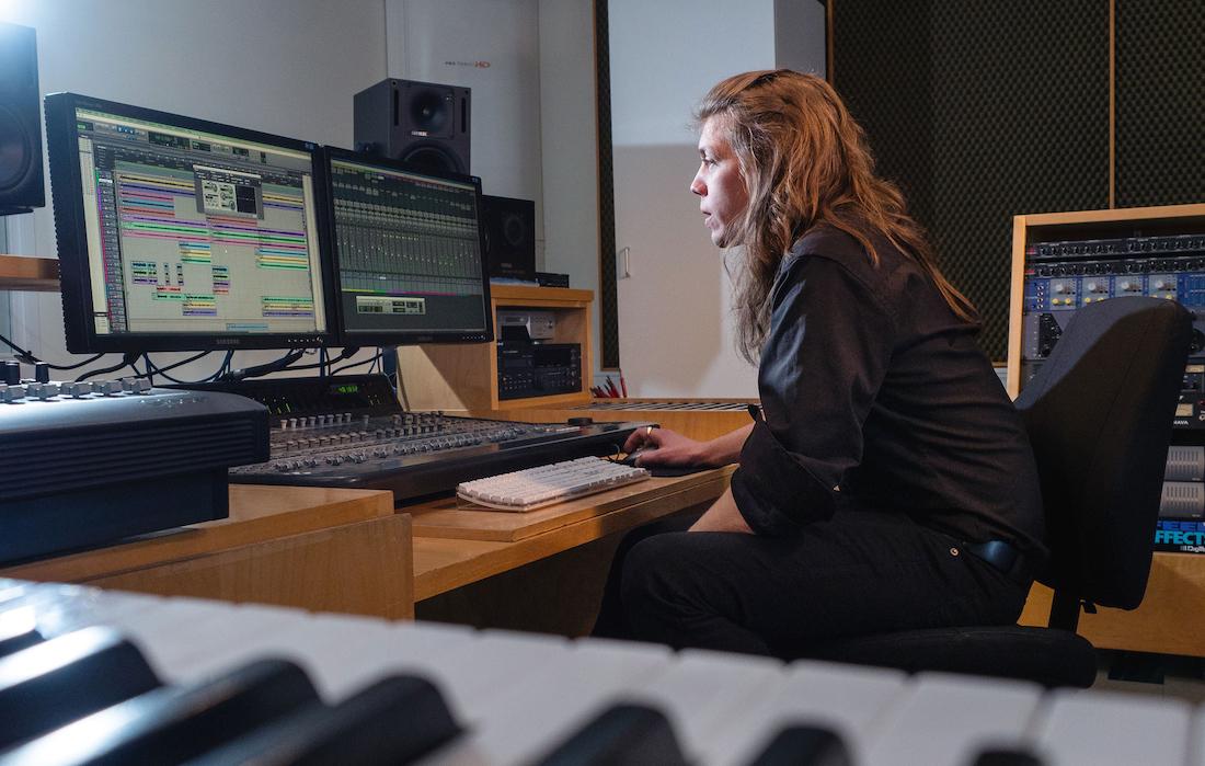 Musiikkiteknologi laitteiden äärellä