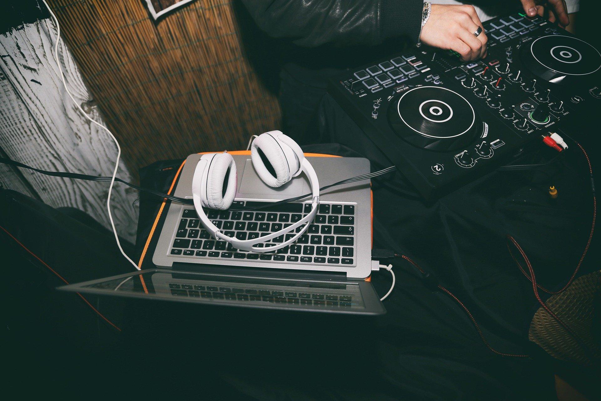 DJ:n soittolaitteet